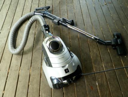 Sharp Vacuum Cleaner EC-s2141