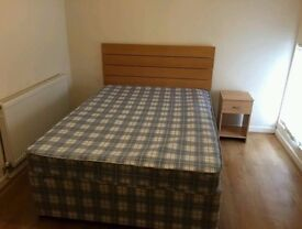 single room with double bed furnished all bills included in stoke