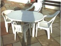 Allibert Patio Table + 4 chairs
