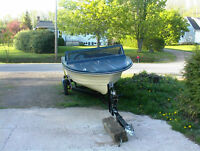 2010 bunk bed boat trailer with 14 ft fiberglass boat