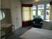 Huge double room available now.. All £165 all bills included