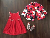 Ensemble 2 ans robe & veste rouge Gap et souliers hush puppies