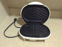 Small Indoor Grill/Press/Sandwich maker