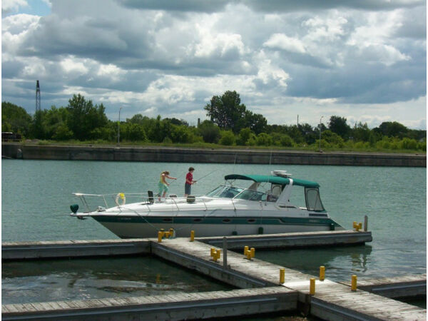 Used 1990 Regal Marine Commodore 360