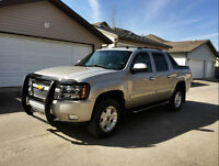 2009 Chevrolet Avalanche Z71 - Low Mileage