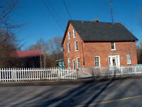 Sunny Spacious Century Home 20 minutes from Cobourg