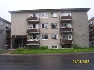 2.5 & 3.5 heating & Hot water,fridge & stove included (VILLERAY)