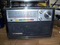 CANDLE SOLIDE STATE 18, 5 BAND AC DC RADIO