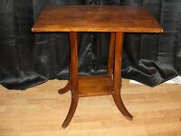 Antique Table d'appoint en bois
