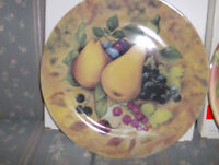 """NEW"" 3 PIECE DECORATIVE WALL PLATES"