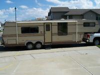 30 foot fifth wheel trailer