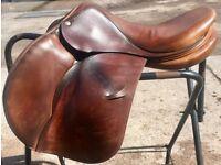 Devoucoux Saddle 17.5