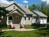LAKEFRONT HOME IN FALL RIVER/WINDSOR JUNCTION  NS