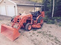Kubota B2650 with Loader, Mower & Ballast Boxes