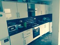 IG1.Off Ilford Lane.Double room available for Couple/single.24/7 WiFi. All bills incl. Furnished