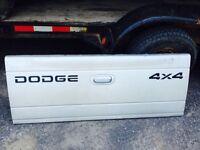 2002 dodge Dakota tailgate