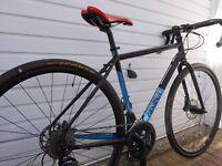 Genesis Croix de Fer 30 Adventure/Gravel Bike