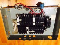 Fuse box / Boîte électrique