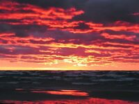 SAUBLE BEACH COTTAGE~WEEKEND MAY29-31 $350 JUNE21-28 $750