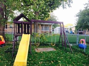 Wooden swing set f