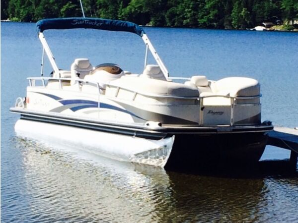 Used 2008 Mercury 25' party barge