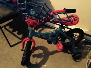 Toddler Spider Man bike... Perfect for 3-5 years old. 12""