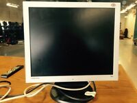 Samsung 19 inch lcd computer monitor with standard cables