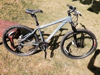 Diamondback response sport mountain bike.