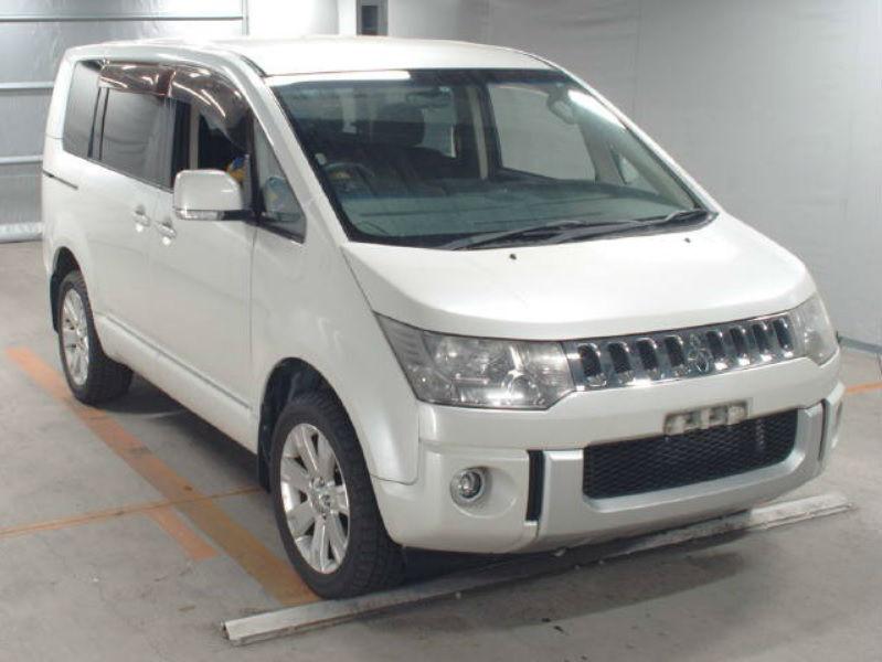 2007 (07) MITSUBISHI DELICA D5 G Switchable 4x4 4WD Automatic 8 ...