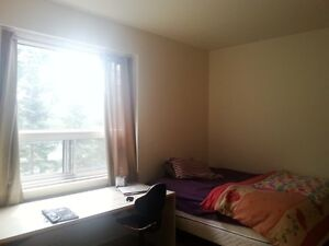 Some Great Rooms 1 min walking to Metro Snowdon- All Included...