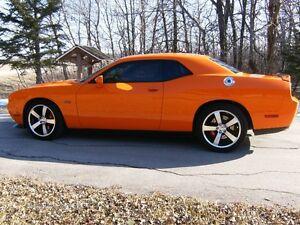 2012 Dodge Challenger srt8 Coupe (2 door)