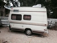 1984 13 foot  travelaire  camper
