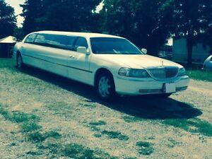 Stretch limousine limo for sale mint condition Oakville / Halton Region Toronto (GTA) image 2