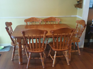 Large kitchen Set and Chairs