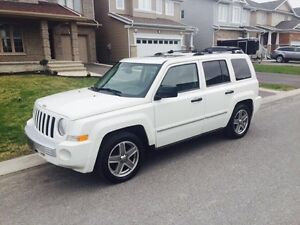 2008 Jeep Patriot Limited 4x4 low kms