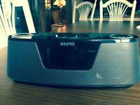 Radio-Reveil Sanyo iPhone4