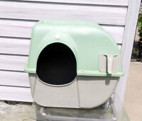 Omega Roll Away Self-Cleaning Litter Box