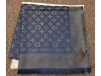 Louis Vuitton scarf 140x140cm navy blue with gold tread
