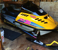 1994 Skidoo MXZ F Chassis remaining items parting out
