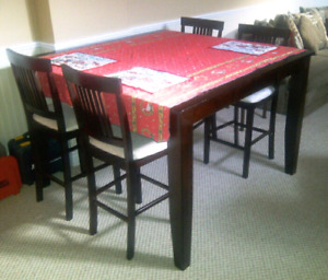 Amazing Super Solid Cherry Finish Table and Chairs