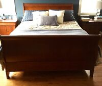 Complete Wood Queen Bedroom Set