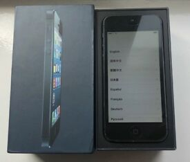 IPhone 5 32 gb on ee with box charger as new condition