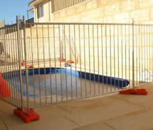 Customized size steel pipe pool security movable fence