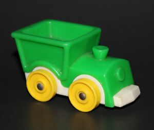 Vintage FISHER PRICE Little People GREEN TRAIN 656 Little Riders