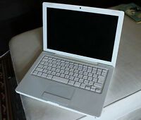"Apple MacBook - 2.0GHz Intel Core 2 Duo 13"" White"