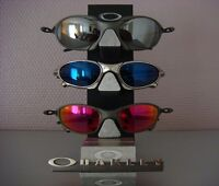 I'm LOOKING/BUYING OAKLEY (Juliet / Romeo / Penny / Watches)
