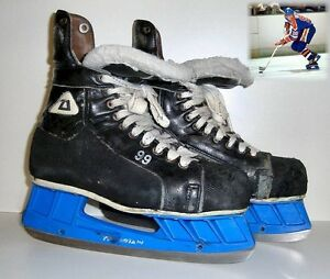 Wayne Gretzky game used worn jersey gloves helmet stick values Edmonton Edmonton Area image 6