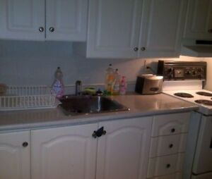 Spacious 2 BR in Trendy Little Italy Bathurst & College Dec 15th