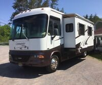 2004 Commander Motorhome - one owner - MINT!