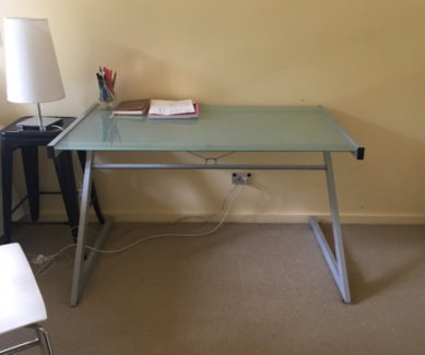 FREEDOM GLASS TOP DESKS $20 EA Springfield Mitcham Area Preview